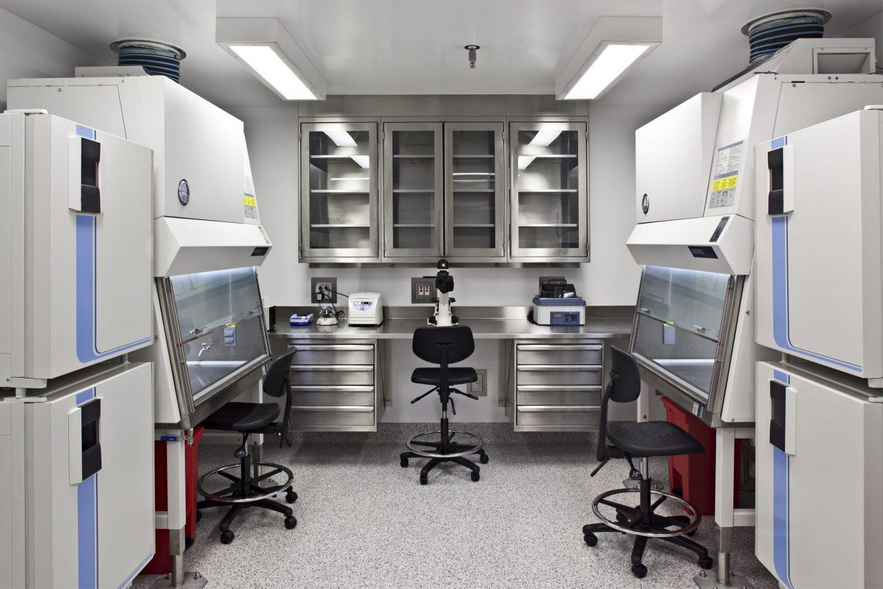 53752-machinery-in-laboratory-2021-04-04-19-45-28-utc-scaled-1280x854.jpg